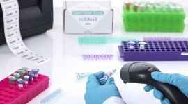 Wyzwanie w branży medycznej: etykiety odporne na ujemne temperatury